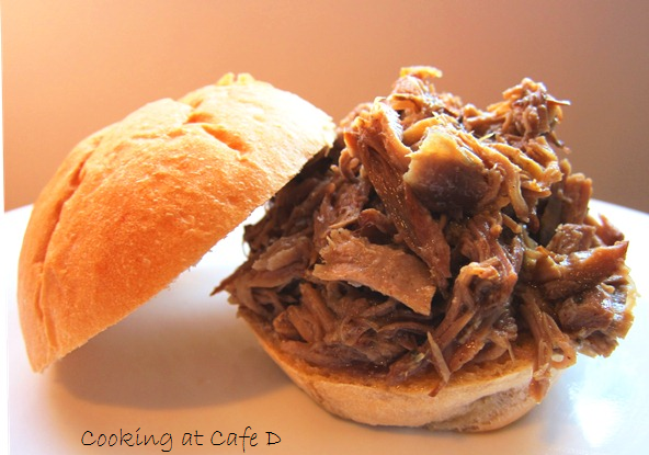 Pulled Pork - So Easy - via Cooking at Cafe D