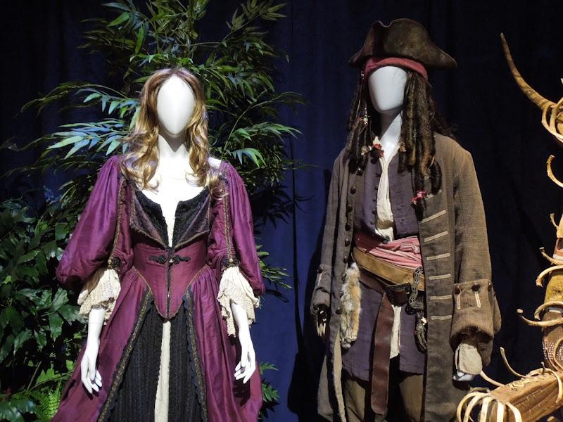 Elizabeth Swann Jack Sparrow Pirates Caribbean costumes