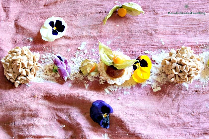 Tartaletas rellenas de lemon curd con buttercream de vainilla y azúcar moscovado. http://www.maraengredos.com/