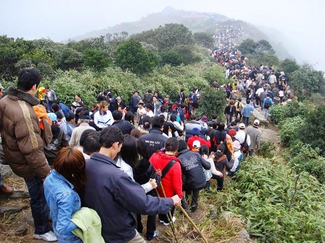 Cho thuê xe: Thuê xe du lịch đi Yên Tử