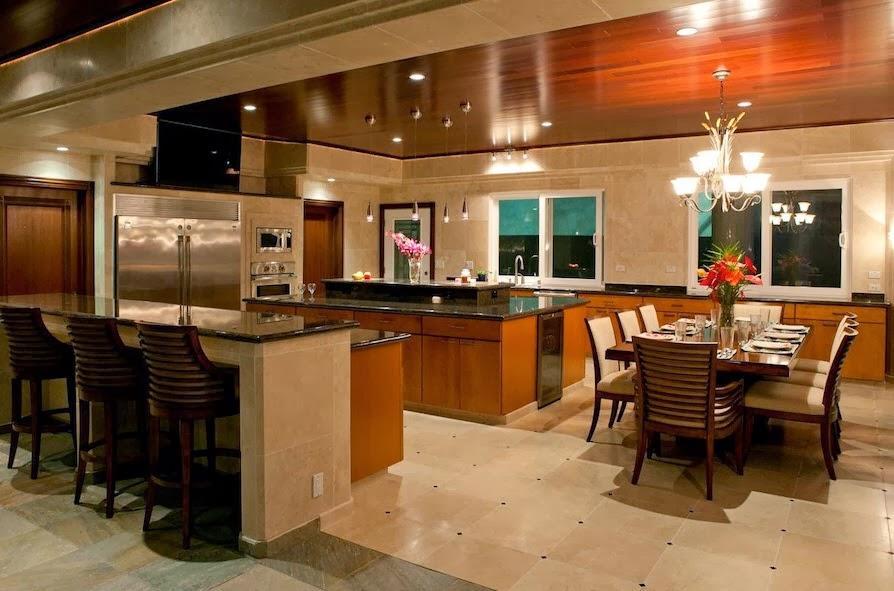 cocina de la mansin que como casi todos los diseos de casas de lujo es de acabados brillantes