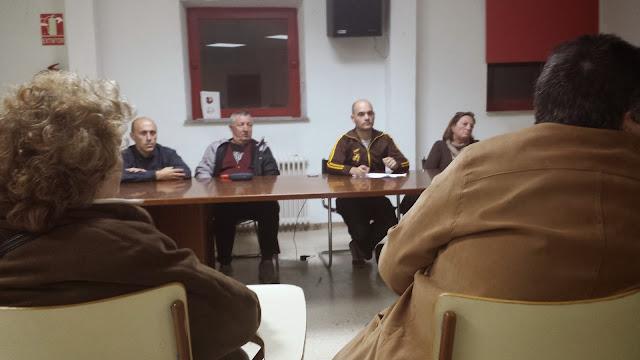 junta directiva de FEVESA aye durante la reunión de las asociaciones de vecinos