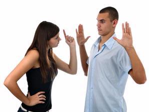 10 Kata Yang Tak Boleh Anda Katakan Pada Pasangan