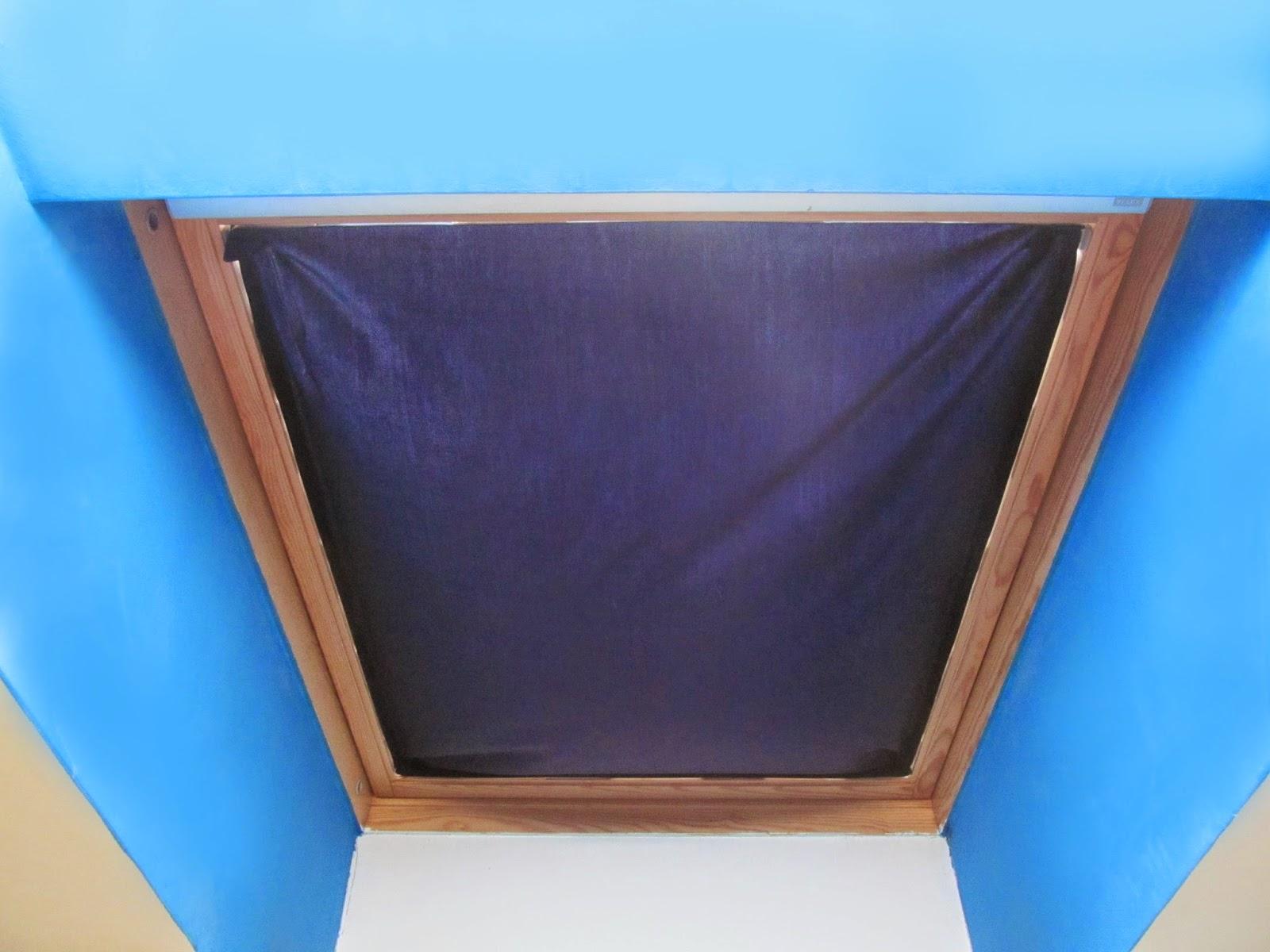 Kék blog: Sötétkék sötétítő házilag tetőtéri ablakra
