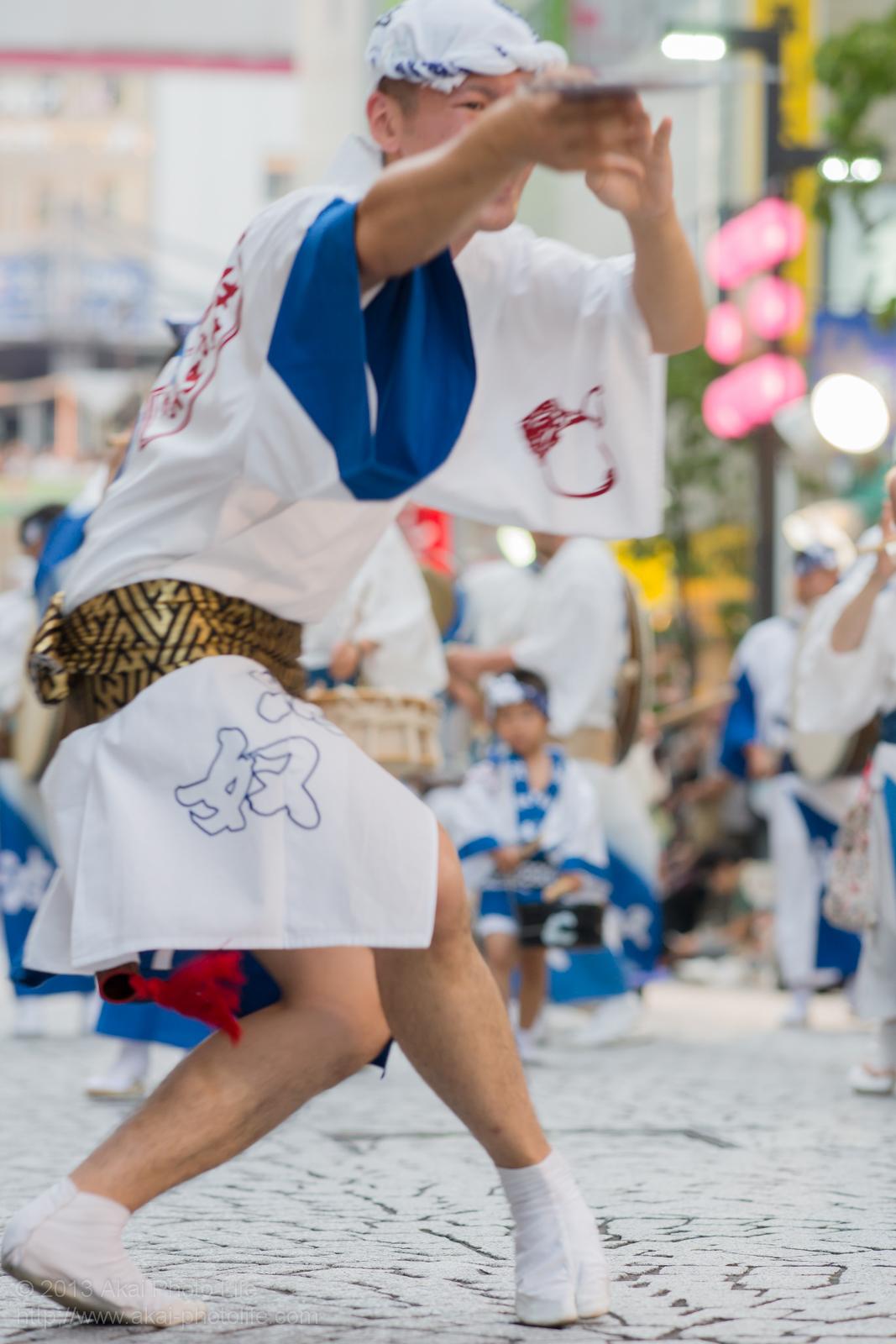 三鷹阿波踊り、波奴連(はちゃめちゃれん)のうちわ踊り