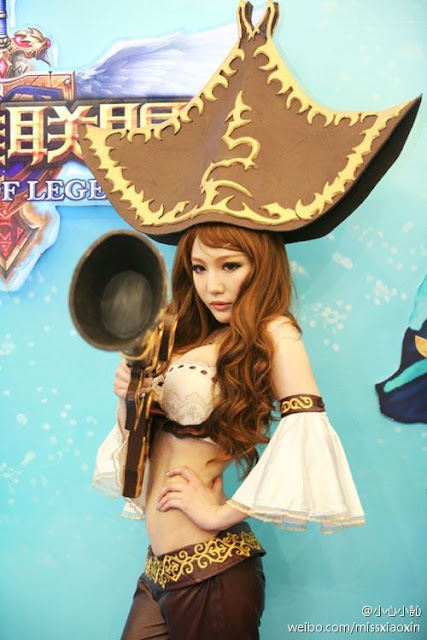 Wang Hui Xin in ChinaJoy 2011 Photoshoot