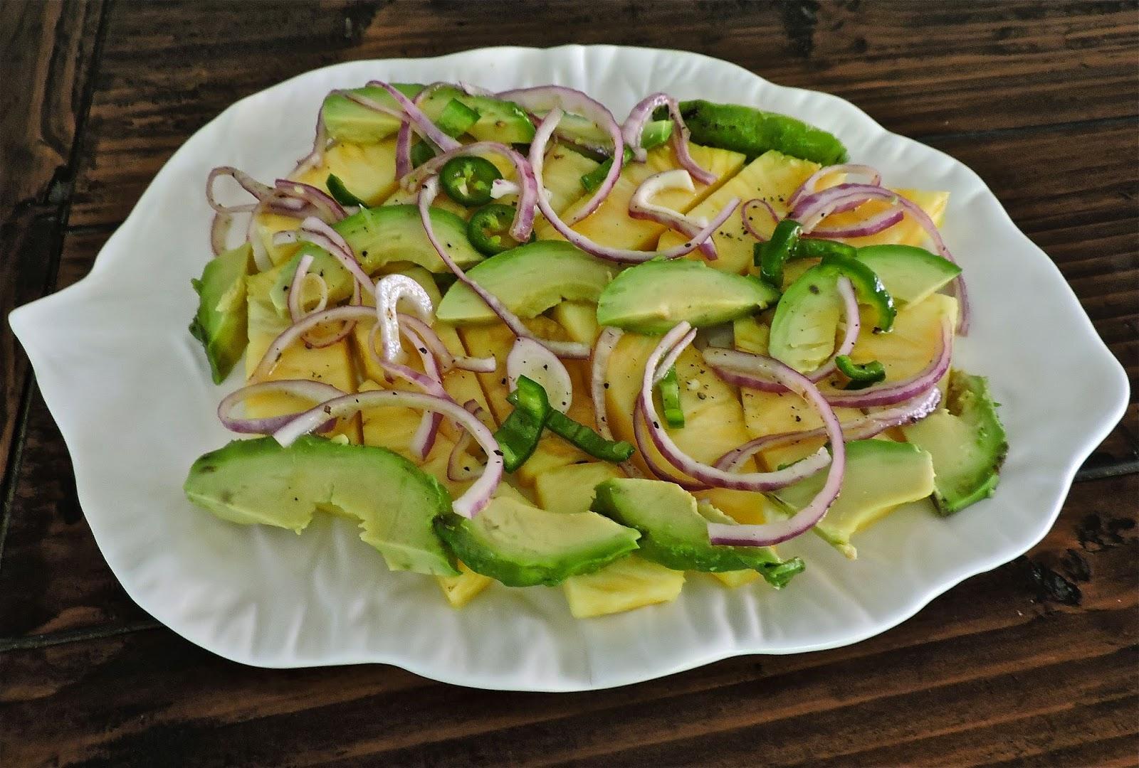 Легкие салаты из ананаса
