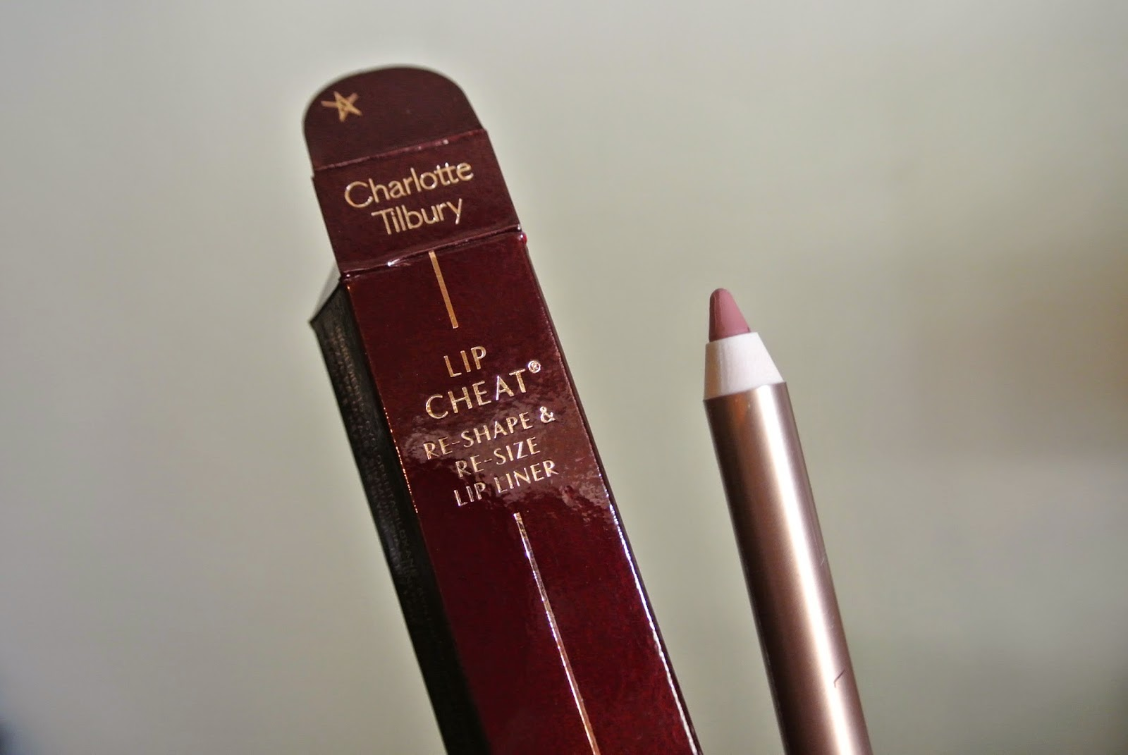 Lip Cheat lip liner in Pillow Talk