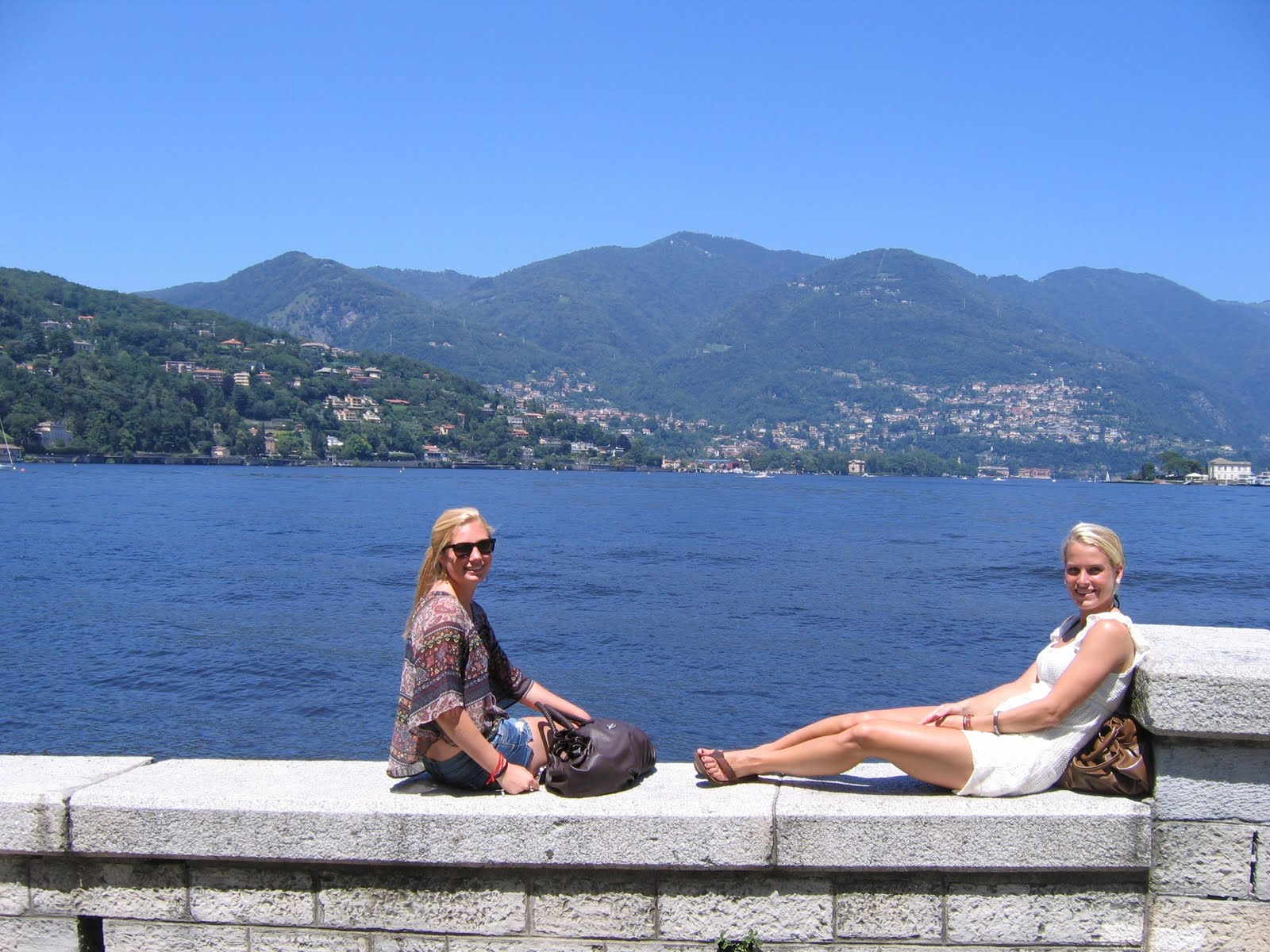 lake como single lesbian women Making friends at lake como by the girls find a way to avoid the cops after straight redheads lesbian sex couples foot fetish petite bi girls curvy bi guys.