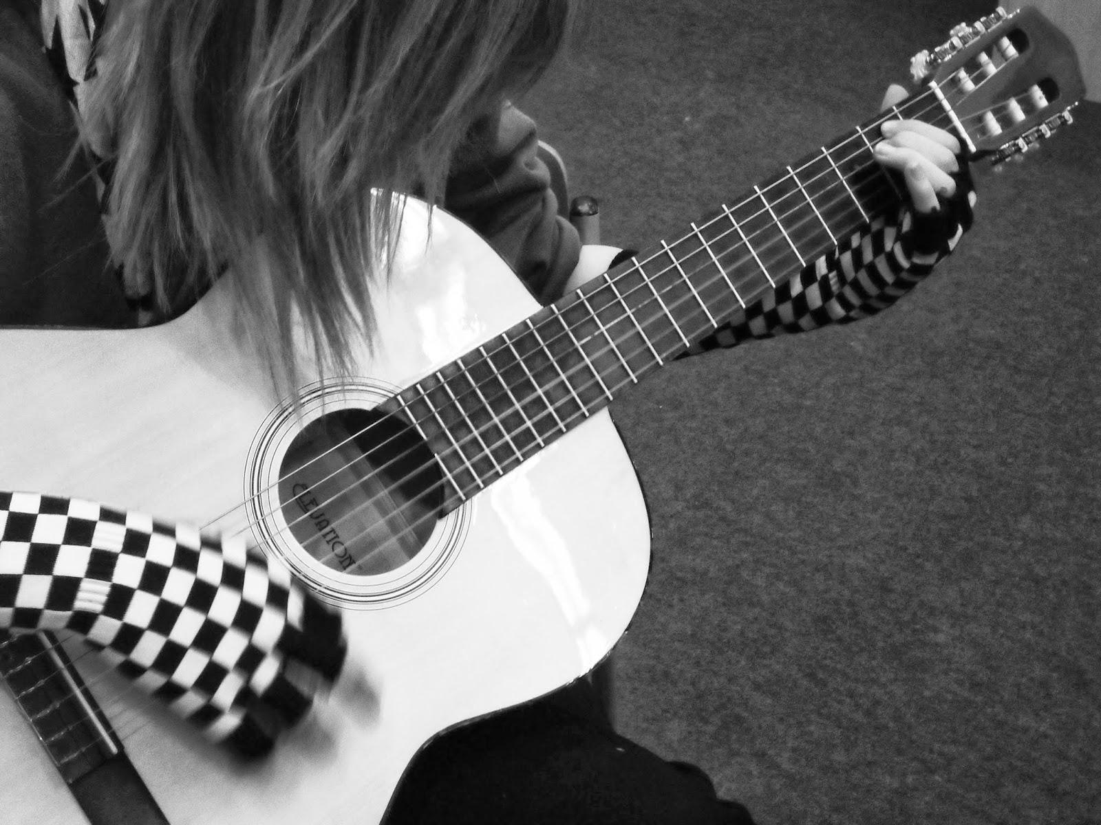 Quotes girls playing electric guitars quotesgram - Cool guitar wallpaper ...