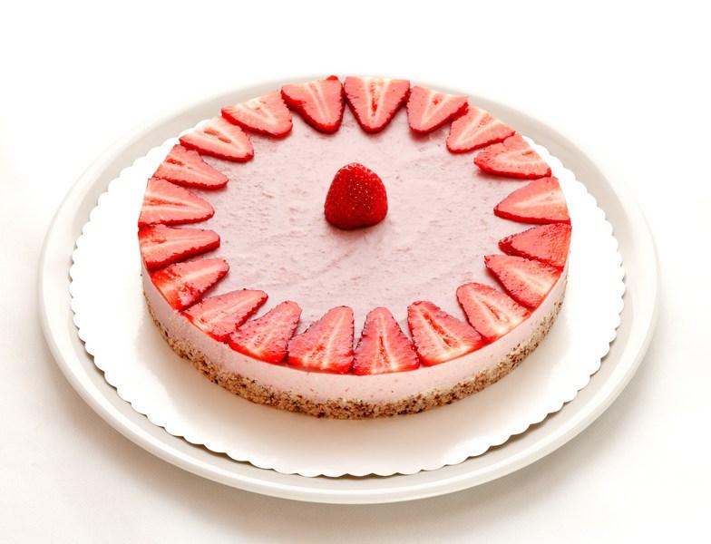 Čudovita jagodna presna tortica.