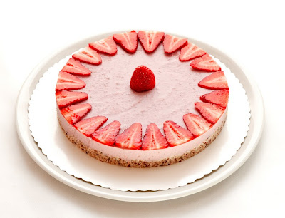 Raw strawberry cake on plate