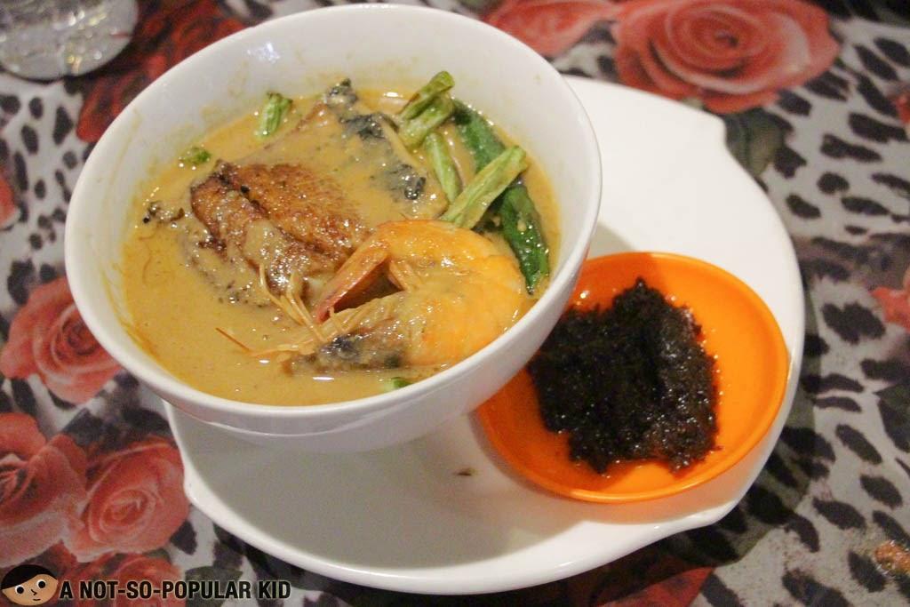 Gayuma ni Maria's Seafood Kare-Kare