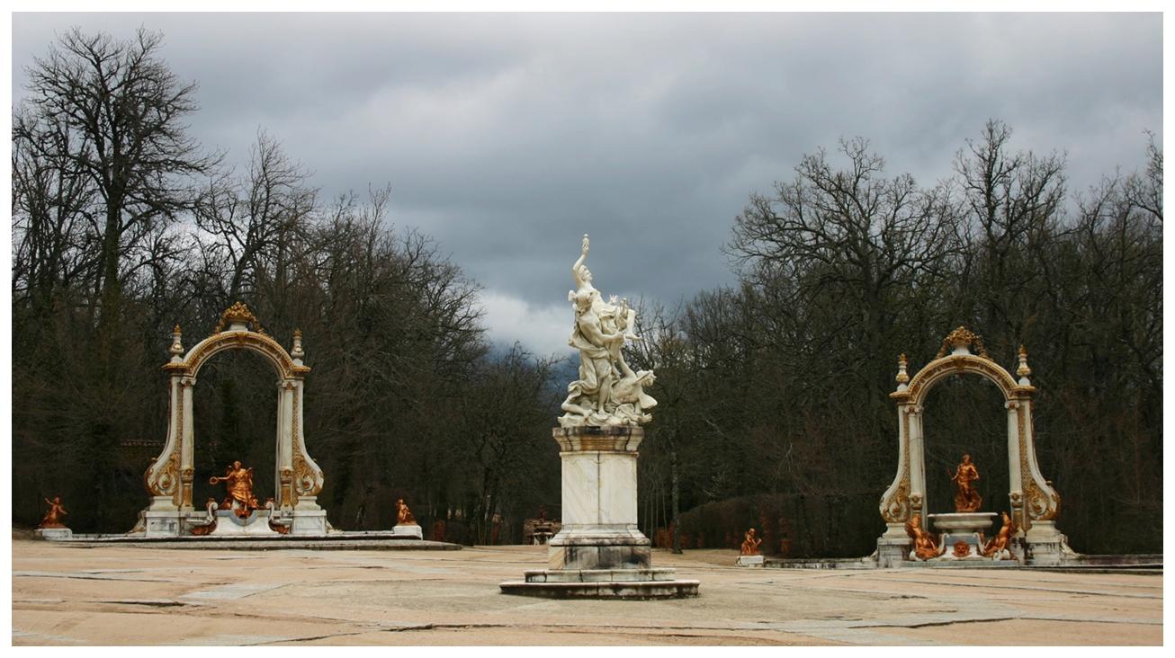 Las ocho calles en los jardines del palacio de la granja for Jardines del olimpo