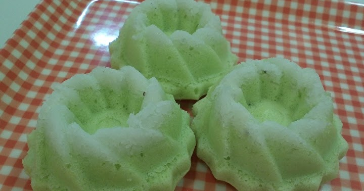 Steamed Pandan Sponge Cake Recipe
