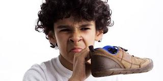 Ini 5 Cara Sederhana Agar Sepatu Anda Tidak Bau