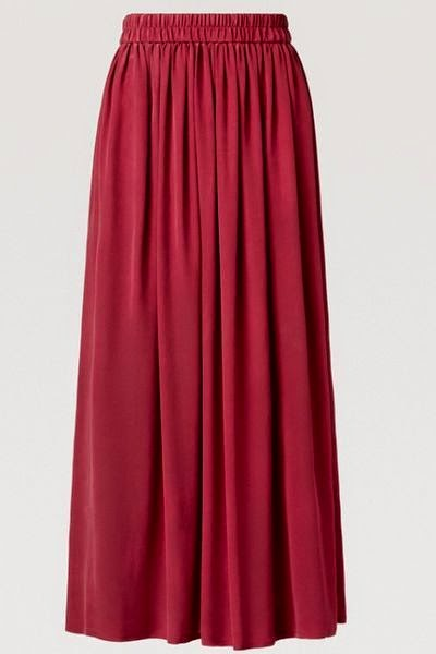 Tenue hijab jupe longue rouge