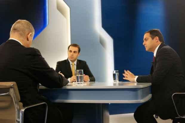 http://www.blogdofelipeandrade.com.br/2015/11/em-entrevista-paulo-fala-sobre-casos-de.html