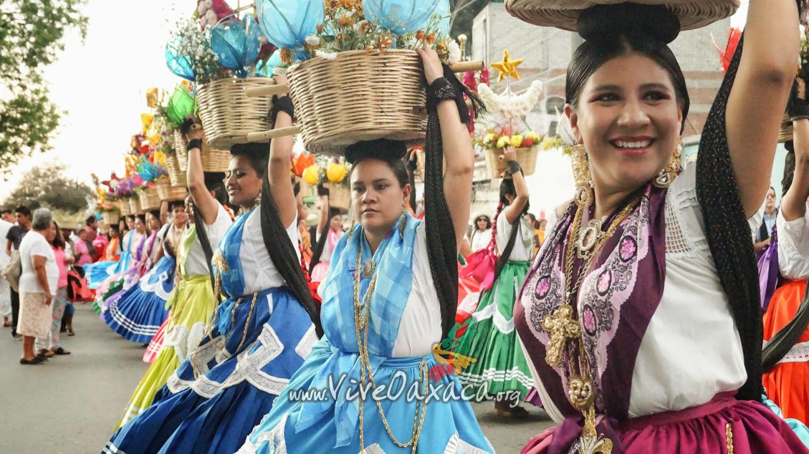 Qué es una Calenda de Oaxaca? ~ Vive Oaxaca - Página Oficial