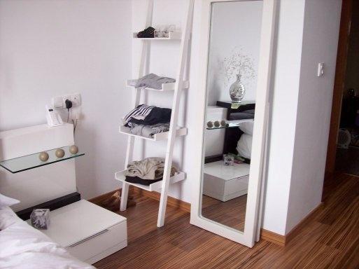 Marq gzgz marq consulta espejo joyero for Espejos en el dormitorio