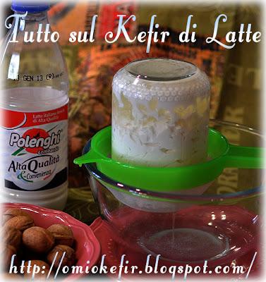 Il latte fermentato si scinde in Kefir e siero che viene filtrato dal composto