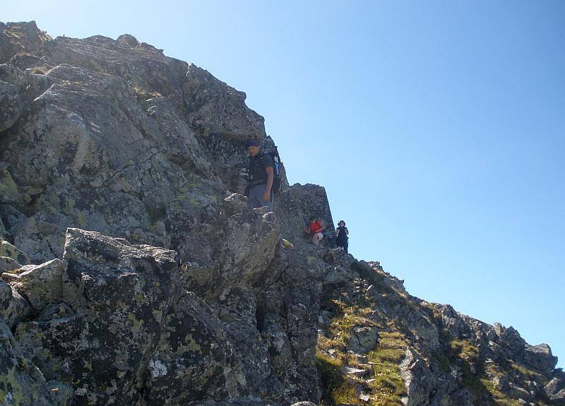 Zejście na Skrajną Sieczkową Przełączkę z Pośredniego Granata.