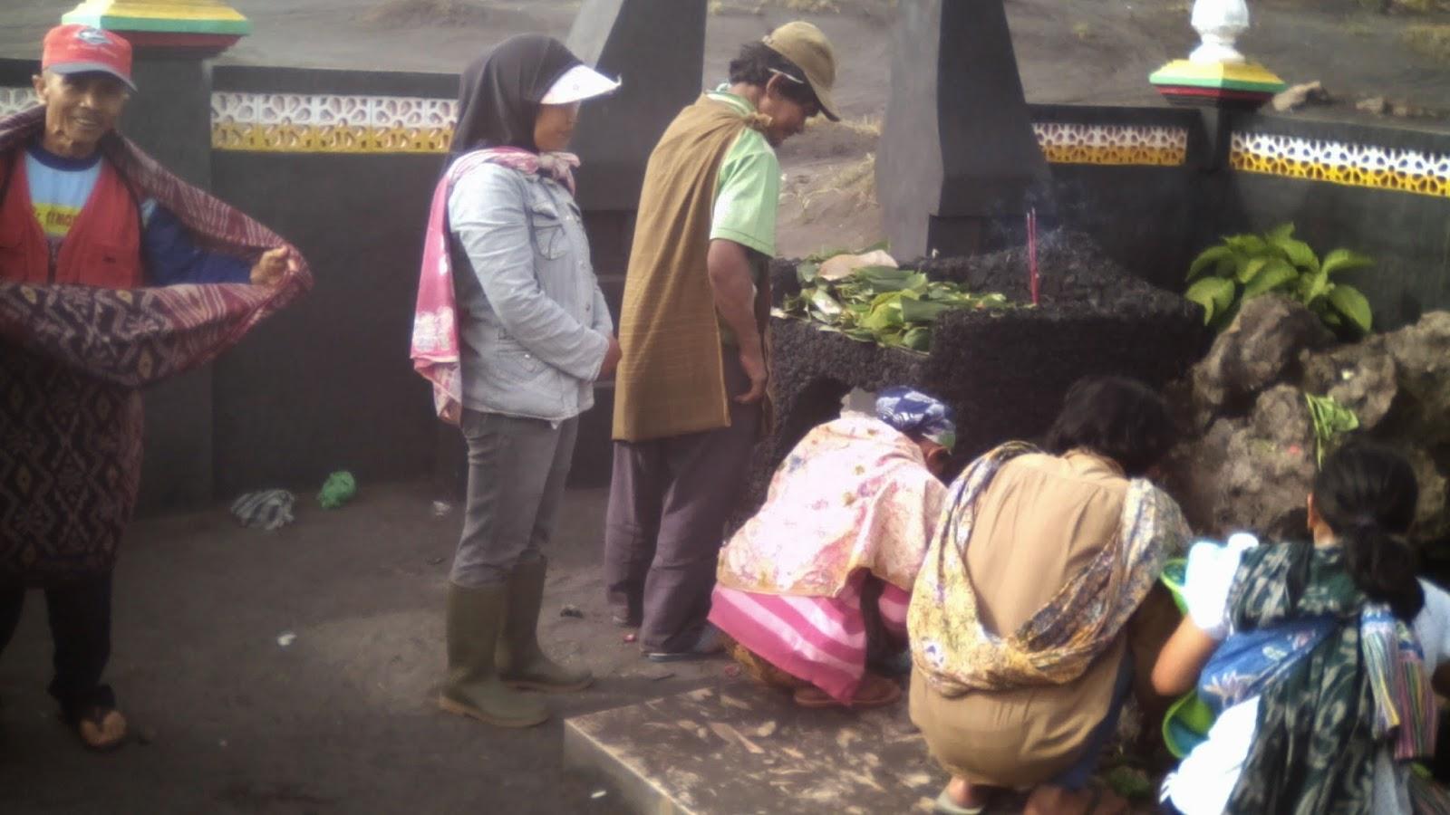 Suasana ritual di Watu Dukun