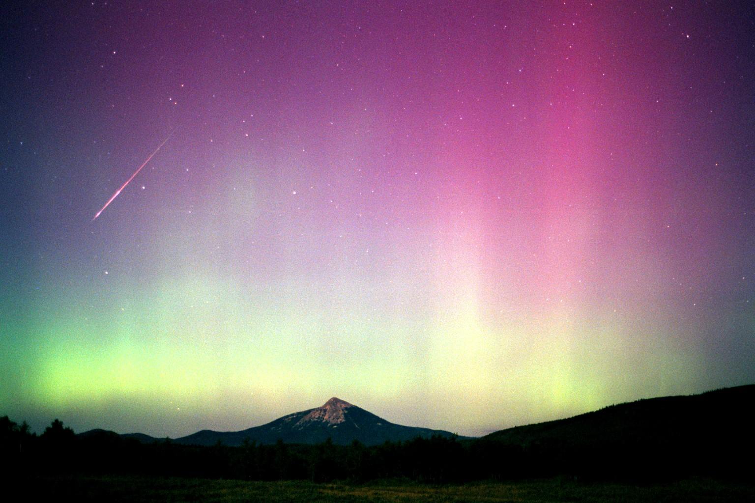 worlds incredible  aurora borealis