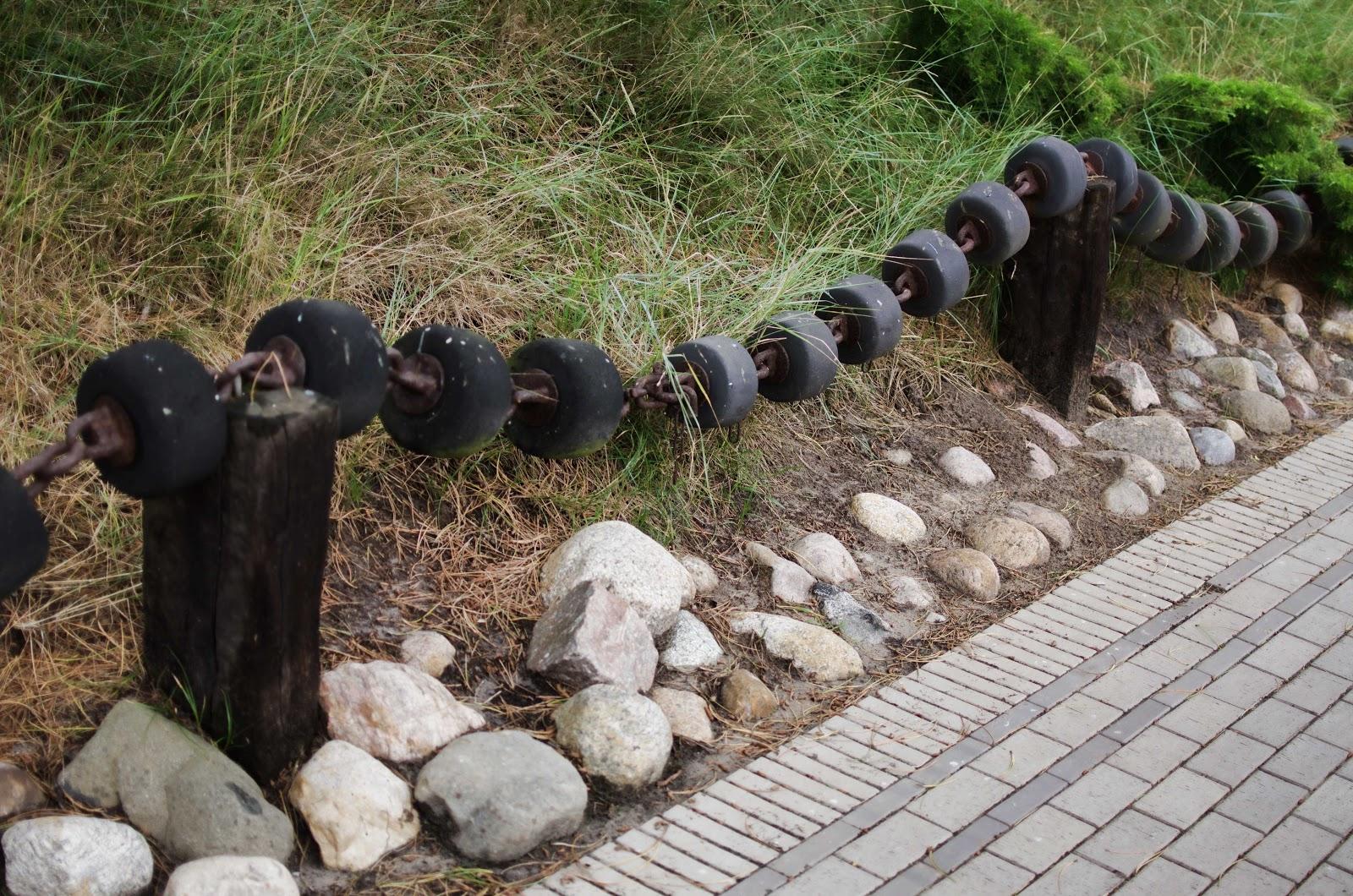 Deutscher Zaun 0013 Zaun Holz Metall Stein Gummi