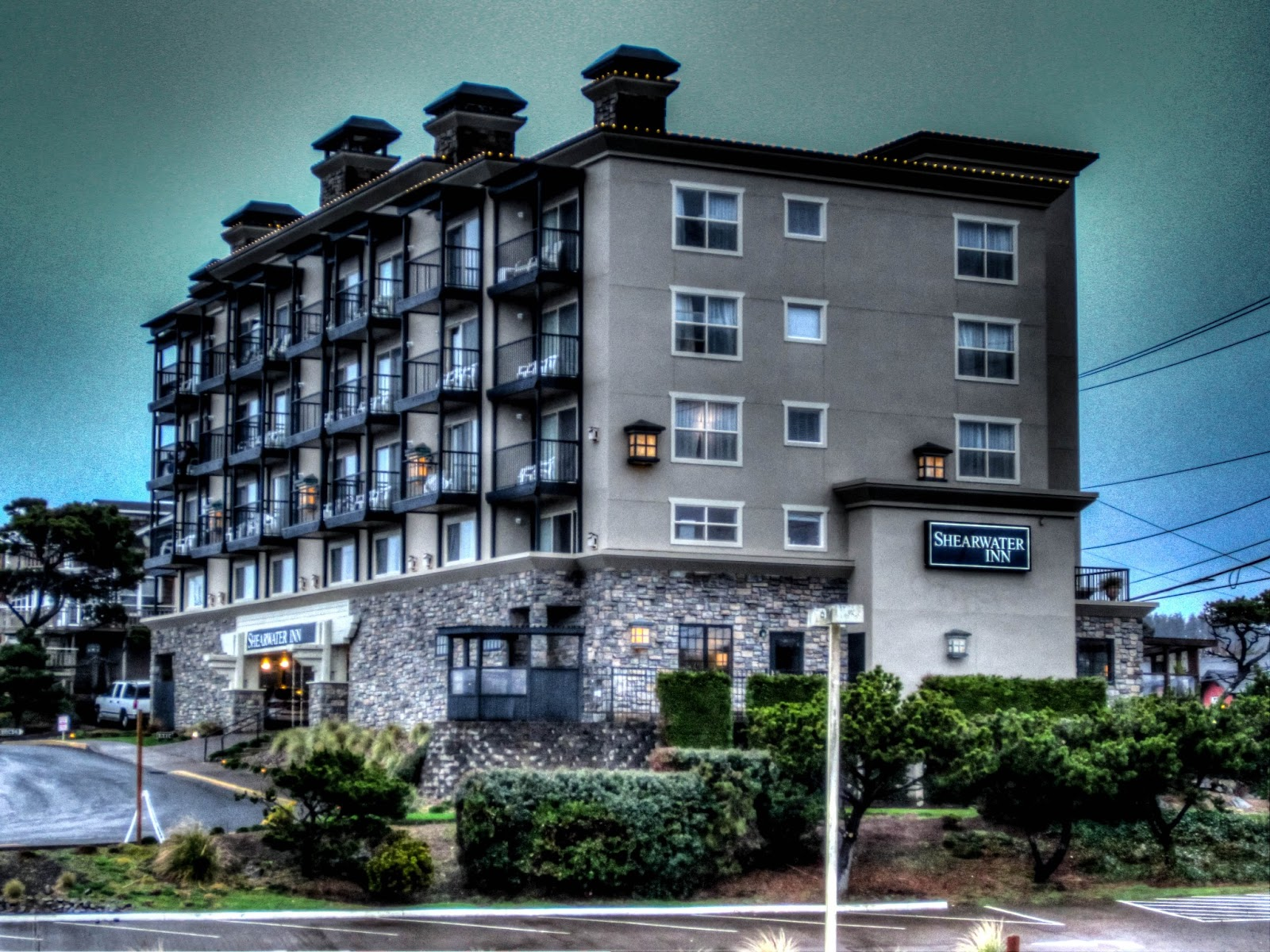en sphc city oregon hei wid independent spnd hotel pfclc hotels lincoln exterior us hoteldetail