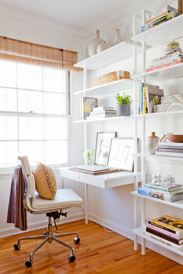 home-tour-a-young-designers-cheerful-eclectic-la-home-1519479.640x0c.jpg