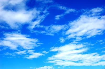 Langit Berwarna Biru