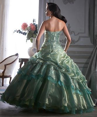 Vestido de 15 años de tela Organza de color Verde