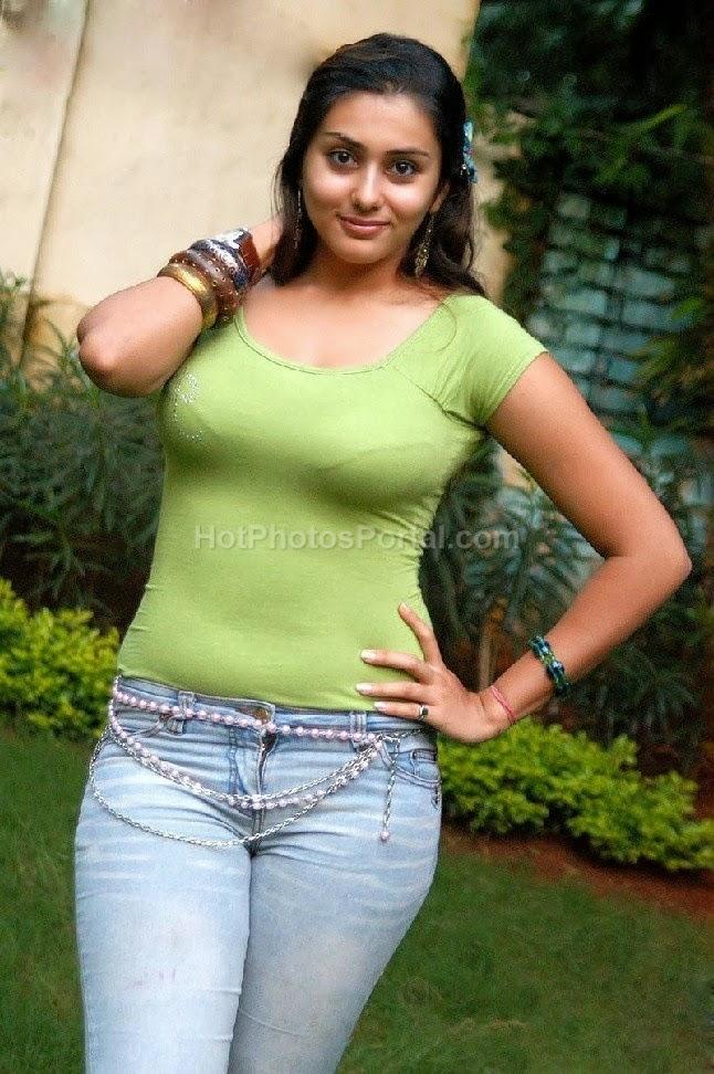 namitha hottest of hot spicy hot photos collection   trendsphotos
