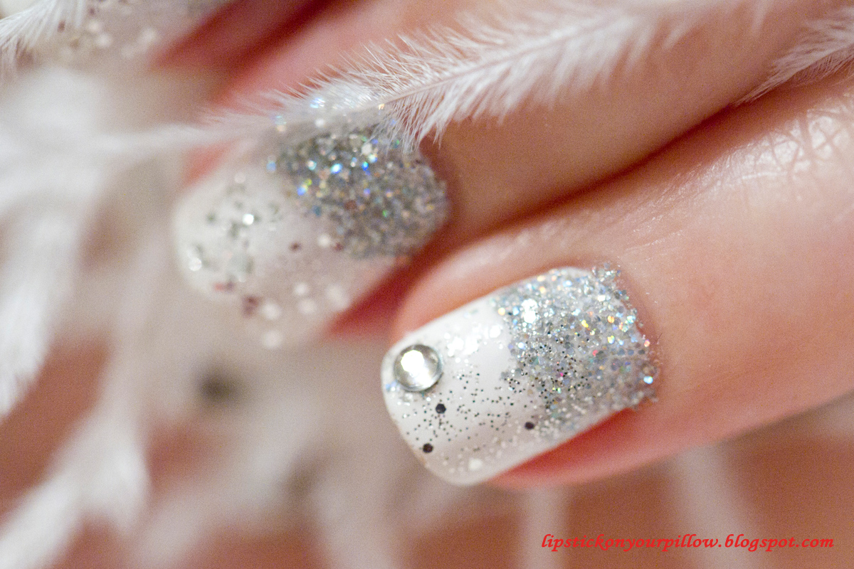 Winter nails beautify themselves with sweet nails winter nails glitter and sparkles lipstick on your pillow makeup prinsesfo Images