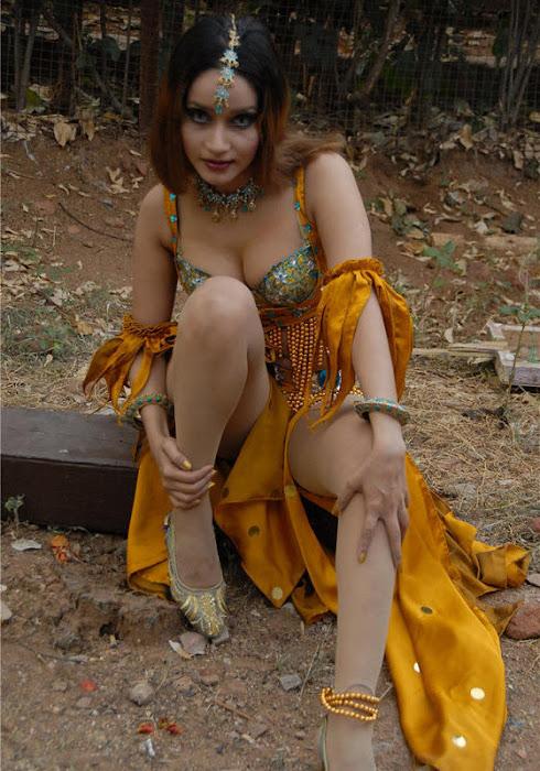 anu vaishnavi actress pics