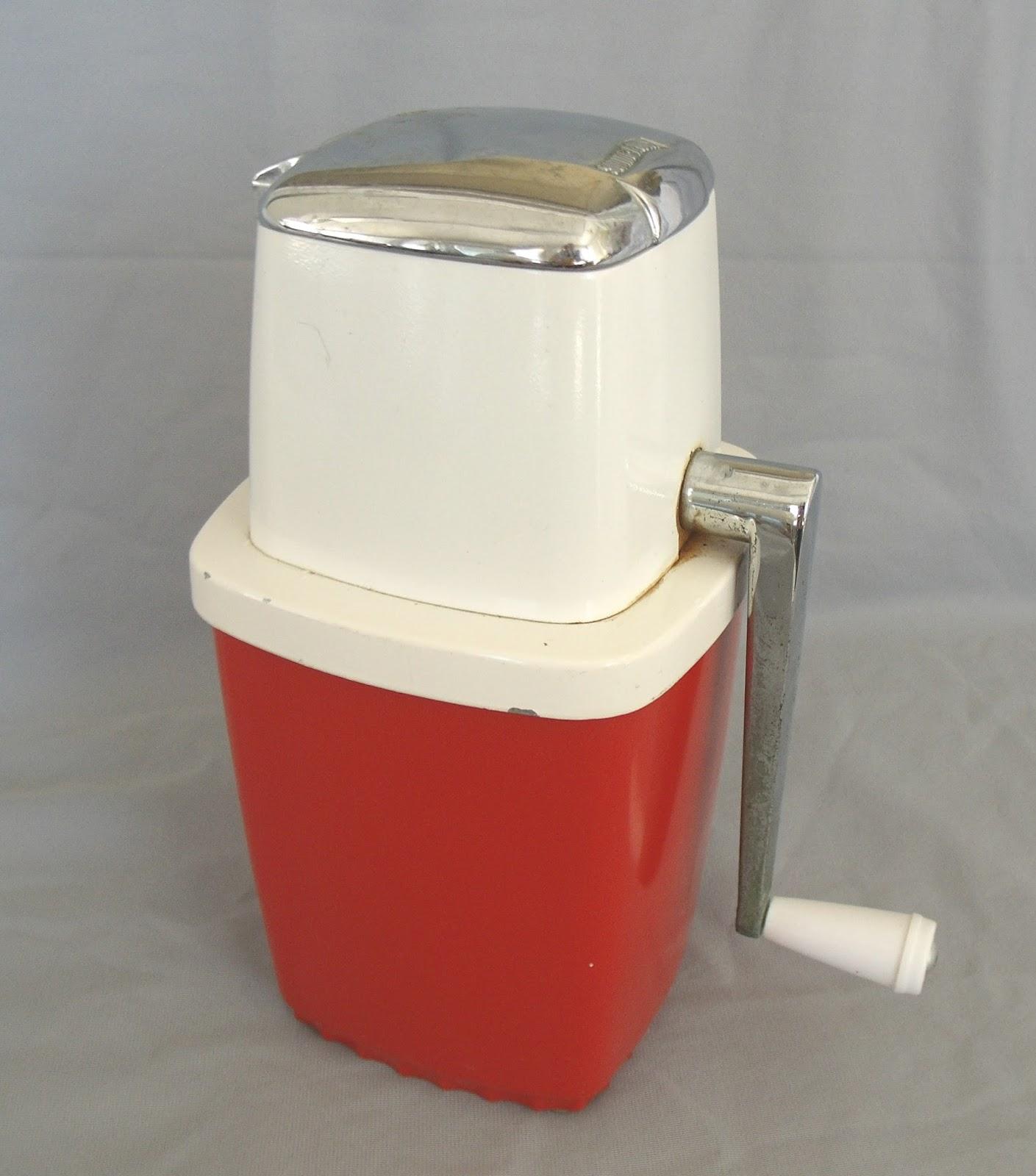 V & M: Vintage Kitchen Gadgets