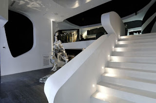 Black and White Store Interior in Madrid by A-Cero Architects