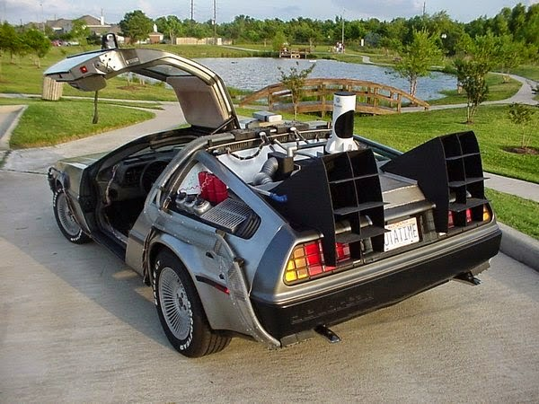 Model kereta De Lorean Back To The Future