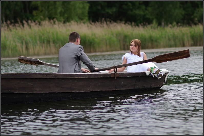 jaunavedžiai valtyje