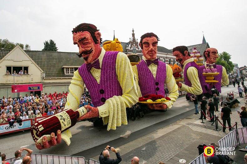 El desfile floral Bloemencorso en Zundertl - 2014