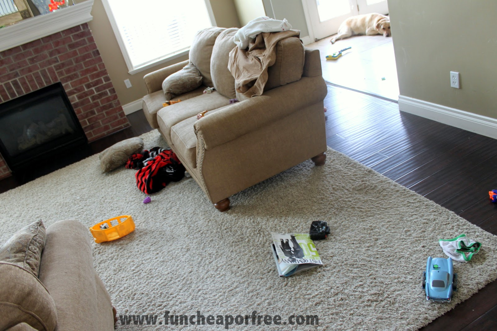 How to clean your living room in 5 minutes - Clutter Everywhere And Today Was A Pretty Mild Clutter Day Actually