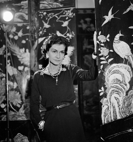 history of the fashion coco chanel. Black Bedroom Furniture Sets. Home Design Ideas