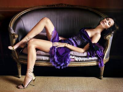 mischa_barton_wallpaper_in_lingerie_sweetangelonly.com