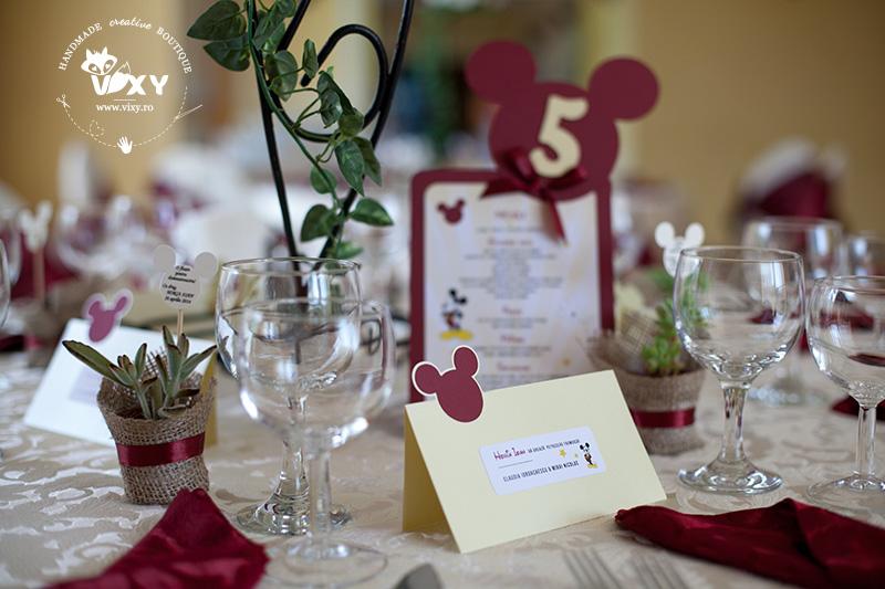 papetarie personalizata candy bar, tema Mickey, cutie personalizata Mickey, cutiuță Mickey Mouse, cutiuțe marturii Mickey Mouse, vixy.ro, tema botez Mickey Mouse, tema Mickey Mouse, petrecere personalizată Mickey Mouse, candy bar Mickey Mouse