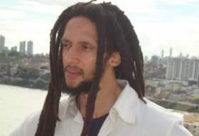 Frases de Cantores : Julian Marley