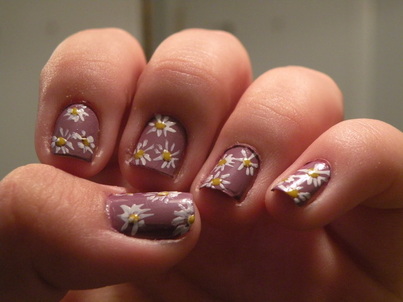Laura s Nail Art flower nails