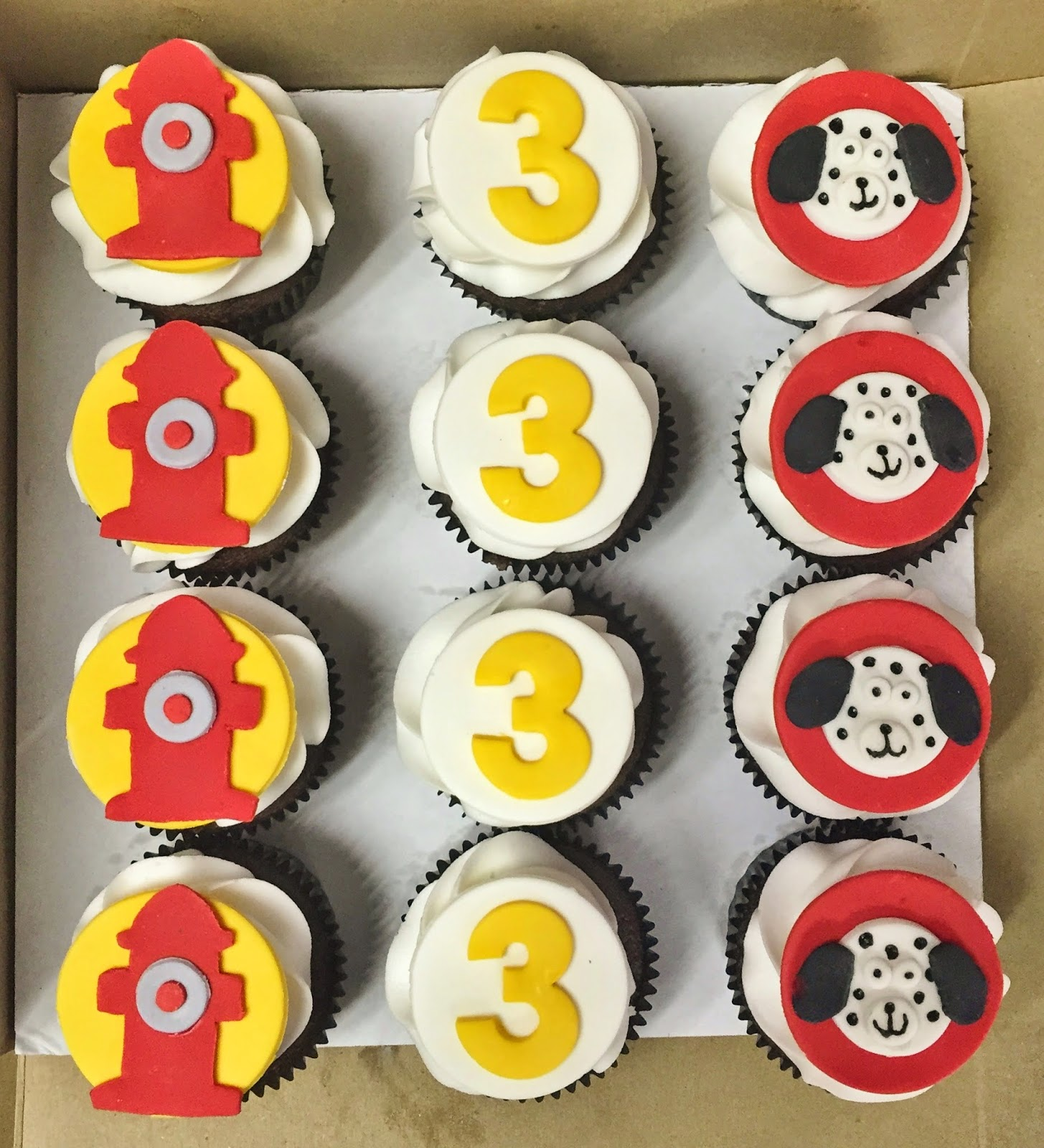 Firefighter Cupcake Decorations Cakes By Mindy Firefighter Cake 10 X 15 And Cupcakes