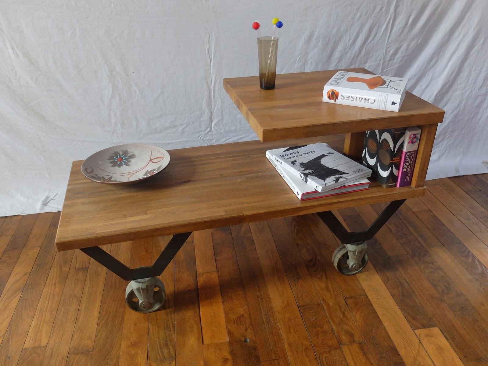 Brutalux table basse a tage sur roulettes anciennes for Table basse sur roulettes