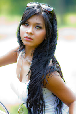 bb-kaskus.blogspot.com - Foto-foto SEKSI presenter mata lelaki